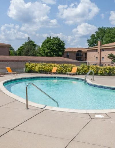 cranbrook-centre-apartments-for-rent-in-southfield-mi-gallery-1