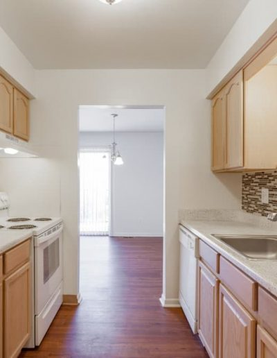 cranbrook-centre-apartments-for-rent-in-southfield-mi-gallery-8